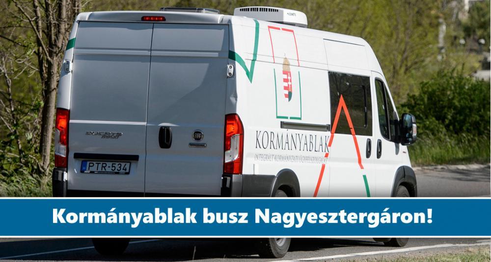 Kormányablak busz Nagyesztergáron